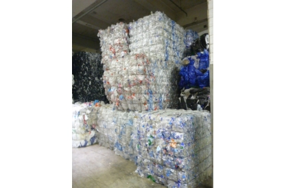 PET Bottles in bales - Clear natural color and light blue